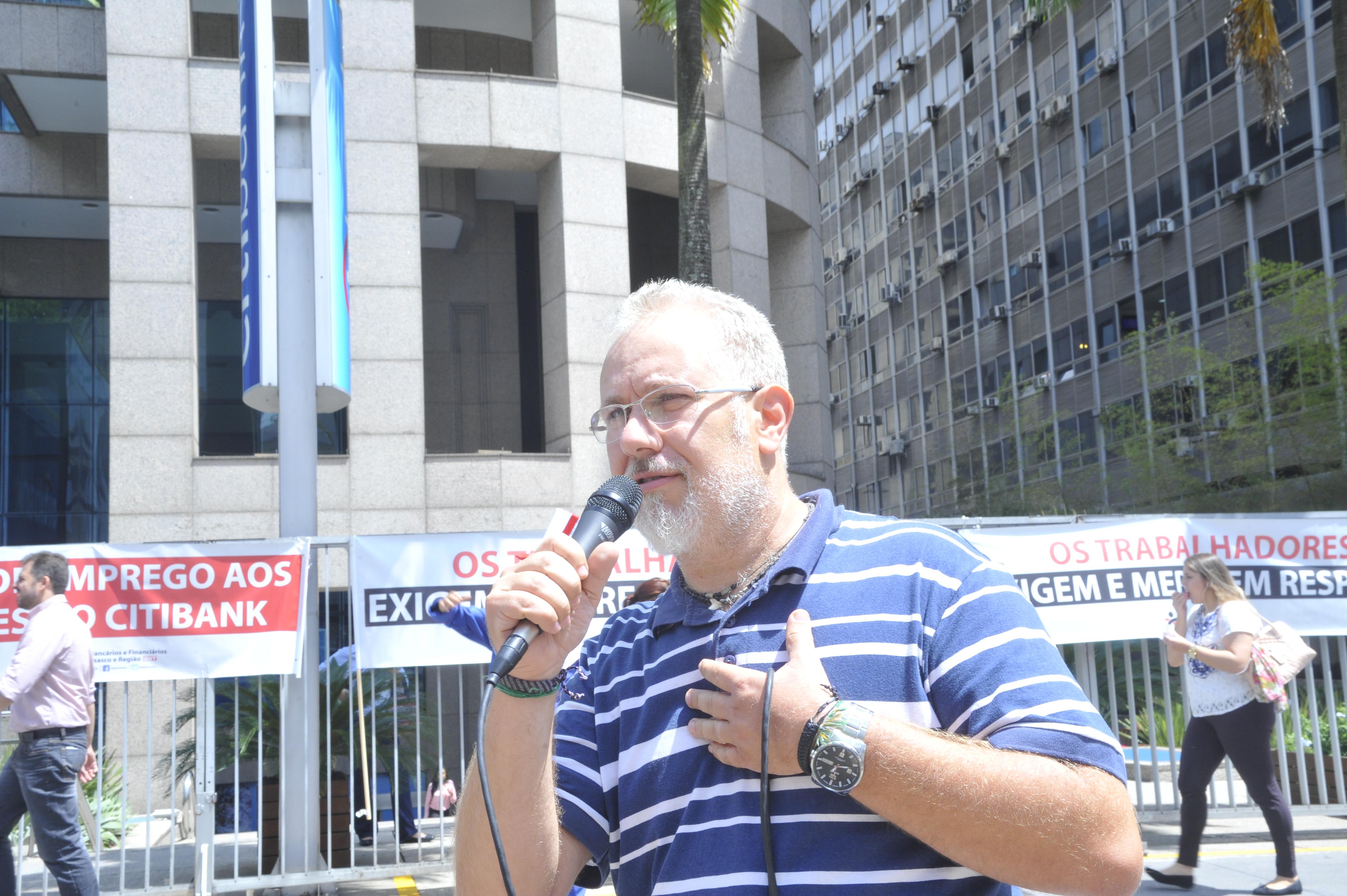 Secretário de Saúde do Sindicato e bancário do Itaú, Carlos Damarindo